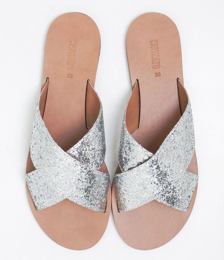 Sandália feminina  Material: sintético