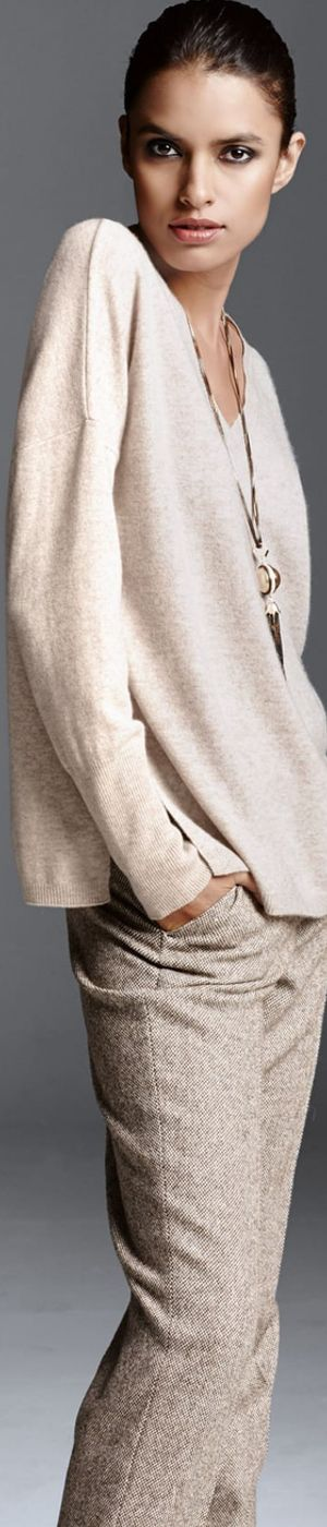 Madeleine Sweater in Biscuit