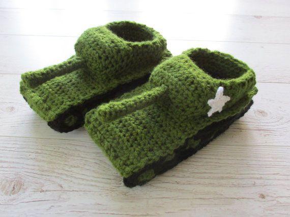Knit tank slippers Army tank slippers Panzer hausschuhe Sherman tank crochet