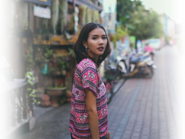 Thai Pink Shirt Street fashion at Walking Street, Chiangmai Thailand   Our Product WWW.PERRYCOZE.COM Manufacture clothing and Export  Dresses, Blouses, Pants, Shirts, Skirt and Other.  Made in Thailand