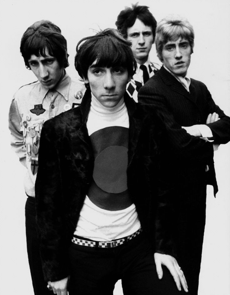 The who- how come they always look like this is the 1000th picture they've sat through on the photo shoots?