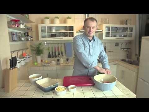 Pomysł na klopsiki zapiekane z makaronem w sosie śmietanowym z porami - film video - MniamMniam.pl