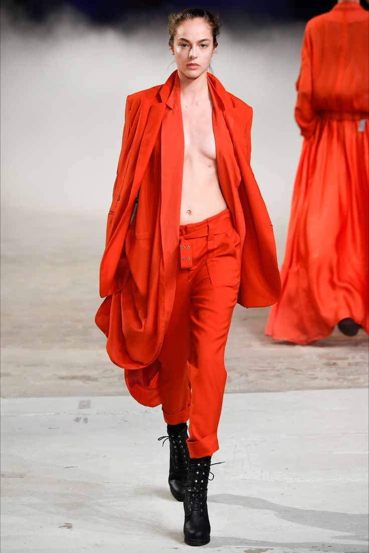 #moda #fashion Photos and reviews of the A. F. Vandevorst Spring Summer 2015 Ready-To-Wear collection #AFVandevorst