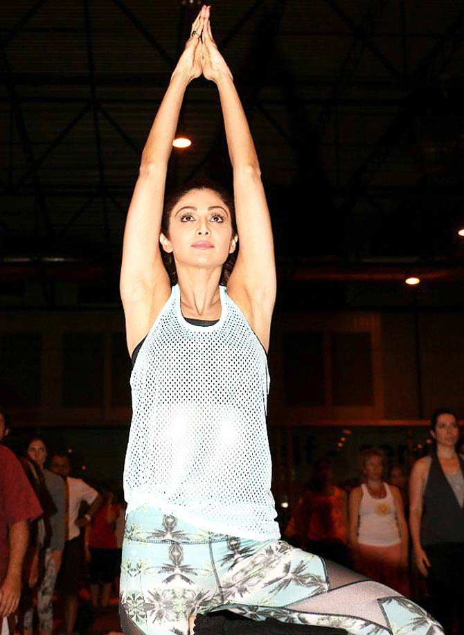 Shilpa Shetty performs #yoga at IIFA Awards 2016. #Bollywood #Fashion #Style #Beauty #Hot #Sexy