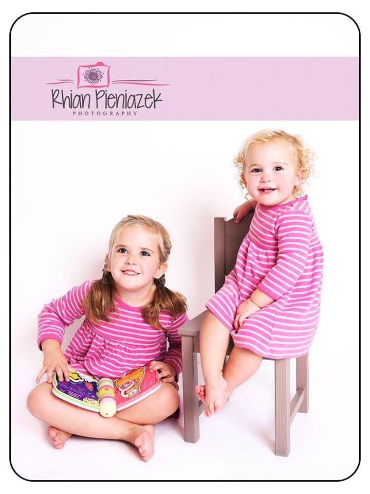 Families. Sisters. Rhian Pieniazek Photography.