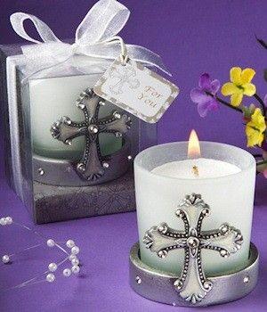 Vela Cruz Comunion, presentada en cajita transparente con lazo y tarjeta decorativa de regalo. Disponible en http://shop.pe/WRmW4T