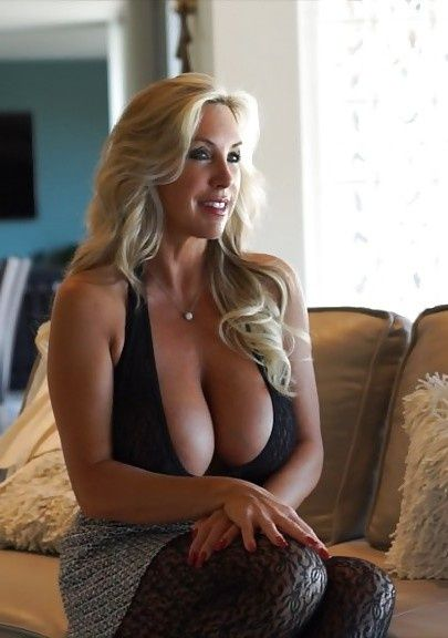 Cougar Dating in Toronto