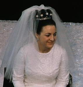 Princess Margriet wearing the Pearl Button Tiara on her wedding day. Queen Juliana's daughter Margriet married Pieter van Vollenhoven in 1967