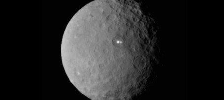NASA descobre dois pontos luminosos no planeta Ceres | Extraterrestres