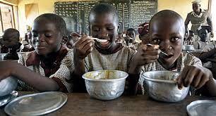 Representante Vaticano ante la FAO: Paz y fraternidad pueden acabar con el hambre 13/06/2016 - 06:42 am .- El Observador Permanente de la Santa Sede ante la Organización de las Naciones Unidas para la Alimentación y la Agricultura (FAO), Mons. Fernando Chica, pidió tomar conciencia de la hambruna que existe en el mundo y hacer todo lo posible para acabar con ella fomentando la paz y la fraternidad.