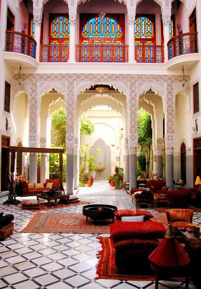 Moroccan Interior Design: Moroccan Riad : Old Typical Moroccan Houses Can Still Be