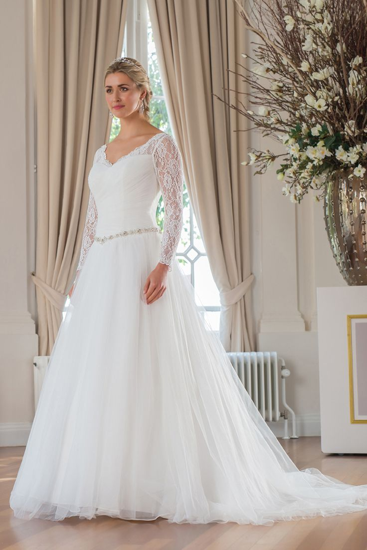 WR23 from the Mylène Sophie bridal collection