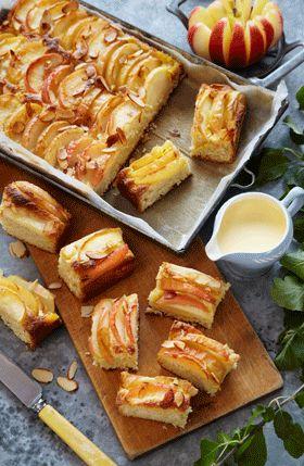 Her får du en lækker og lidt anderledes opskrift på æblekage bagt med gær.
