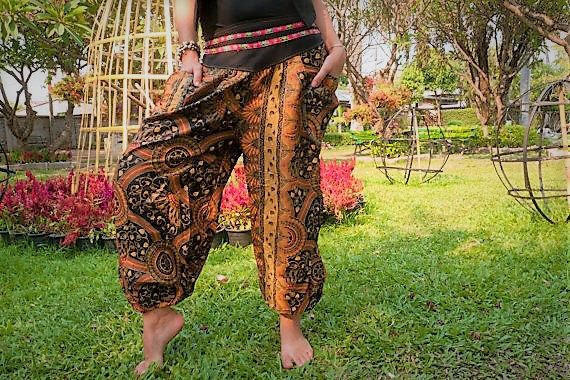 Thai  Harem Pants Batik Cotton, Black/Brown/Yellow aztec design, Ribbon waistband by Amonchai on Etsy https://www.etsy.com/se-en/listing/194710391/thai-harem-pants-batik-cotton