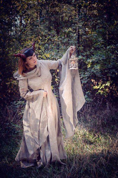 Средневековое платье в стиле фентези «Странница» от Виктории Лудченко