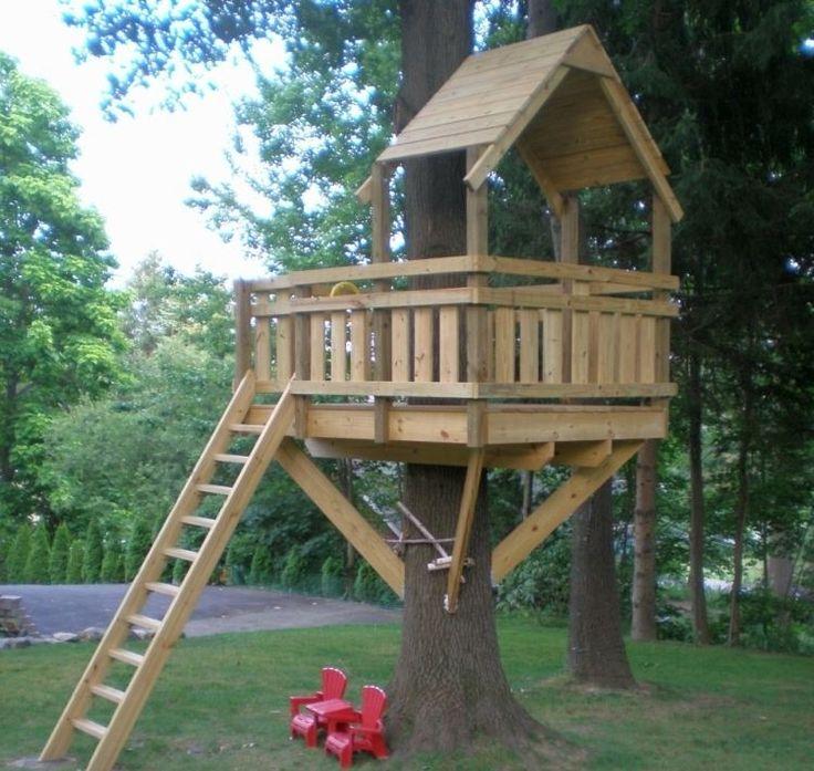 Baumhaus aus Holz im Hinterhof selber machen