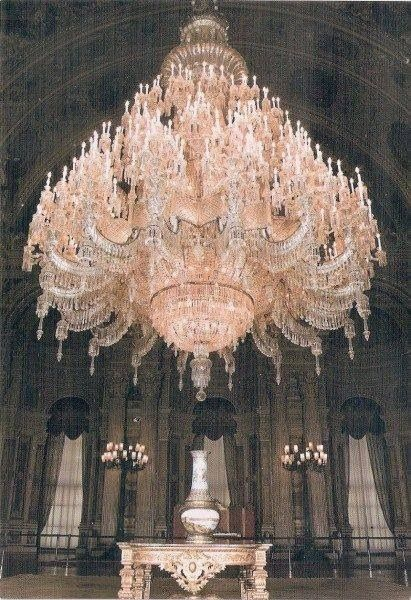 The world's largest Bohemian crystal chandelier, a gift from Queen Victoria, is located in the Dolmabahce Palace in Istanbul