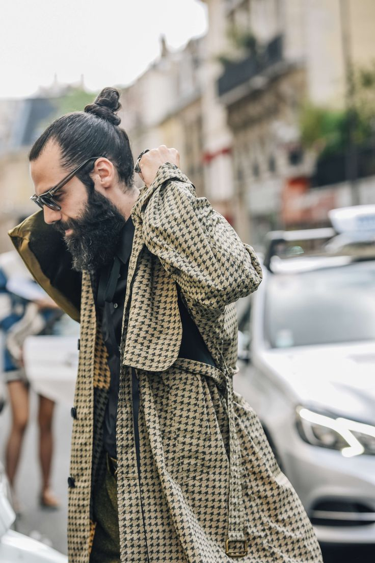 June 24, 2016  Tags Black, Sunglasses, Paris, Yellow, Men, Prints, Coats, Trench Coats, Houndstooth, Shirts, 1 Person, SS17 Men's, Buns
