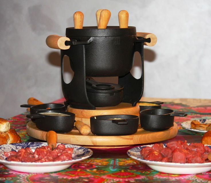 La fondue bourguignonne e le sue salse per le ricette:http://www.frittomistoblog.it/2015/02/la-fondue-bourguignonne-e-le-sue-salse.html