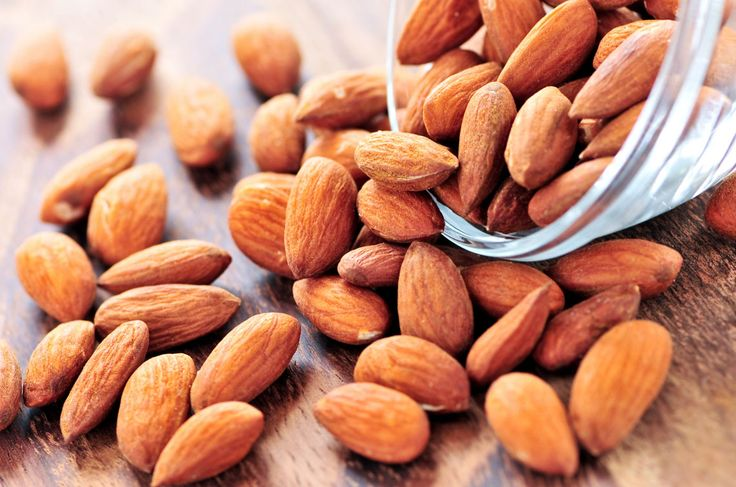 Soak and grind the almonds to prepare a thick paste. Mix the paste with yogurt and apply it on your face till it becomes dry. Rinse with cold water to get a glowing skin. Clinic Dermatech wants you to look your best, always ! #ClinicDermatech #LivePowerfully #10GloriousYears #Beauty #Wellness