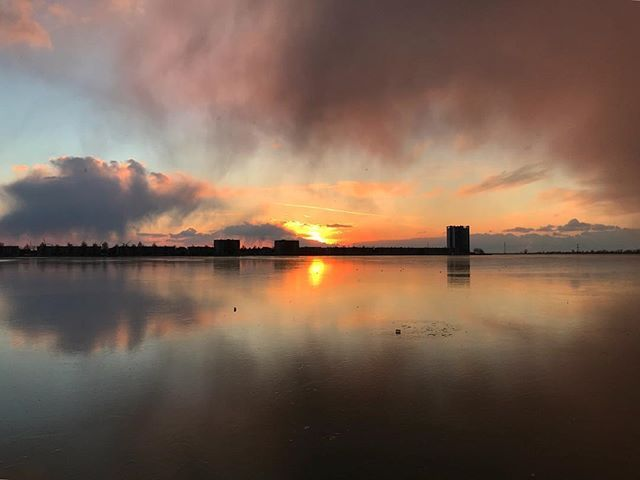 Always a joy when im able to shoot the stunning reflection as the sun sets at the lake Binnenschelde.  Especialy now its frozen.  #uwn_holland  #super_holland  #wonderful_holland  #instanetherlands  #holland_photolovers  #dutch_connextion  #ig_discover_holland  #aangenaambergenopzoom #vvv_brabantse_wal  #visitbrabant  #global_hotshotz  #tv_aqua  #bns_waters  #pocket_waters_  #splendid_reflections  #reflectiongram  #loves_reflections  #allbeauty_addiction  #eclectic_shotz  #heart_imprint…