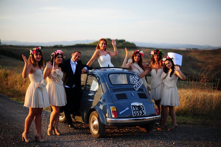 Wedding foto bridesmaid bride and groom. #fiat500 #italy #tuscany