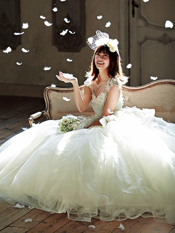 ハツコ エンドウ ウェディングス(Hatsuko Endo Weddings)銀座店 こまやかで繊細なモチーフが優雅で愛らしい気品を醸して