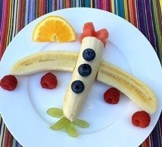 Banana Boeing Made in under 3 minutes & great for excitable little plane spotters. Banana Boeing Made in under 3 minutes & great for excitable litt Cute Snacks, Healthy Snacks For Kids, Cute Food, Good Food, Party Snacks, Fruit Snacks, Healthy Food, Fruit Fruit, Fruit Trays