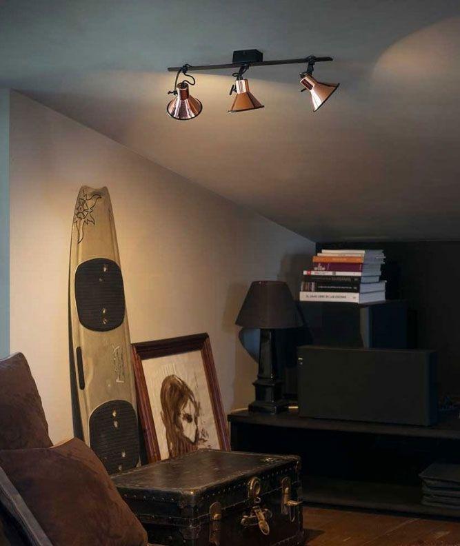 Φωτιστικό οροφής, σποτ κινητά σε ράγα σε χάλκινο χρώμα!  #bronze #lighting #bronzelighting #luminaire #livingroom #house #light #decor #decoration #style #industrial #vintage #χάλκινο #φωτιστικό #farobarcelona