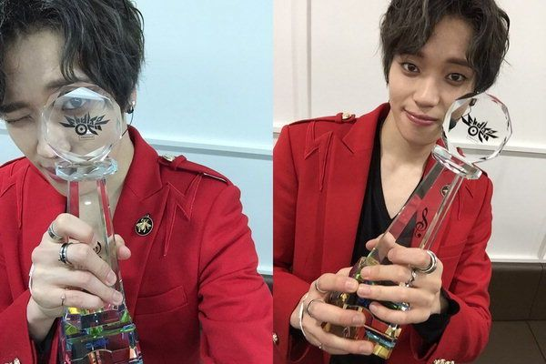 """Niel Wins Trophy on """"Music Bank"""" with """"Lovekiller"""" Beating Naul's """"You From the Same Time"""""""