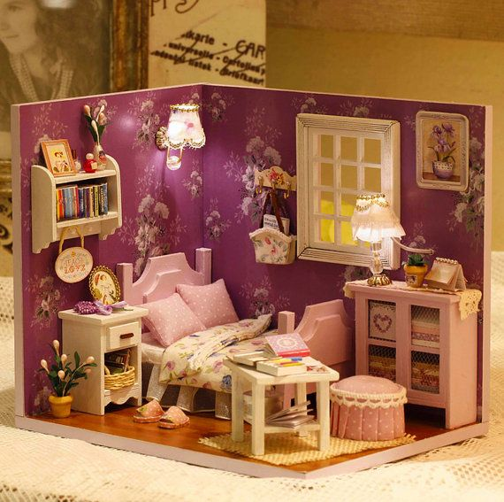DIY Miniature Bedroom Miniture House Handcraft Kit von UniTime