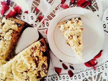 Ucierane ciasto żytnie ze śliwkami i kruszonką PRZEPIS