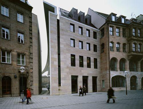 Staab Architekten - New Museum, Nürnberg 1999. Photos (C) Margherita Spiluttini.