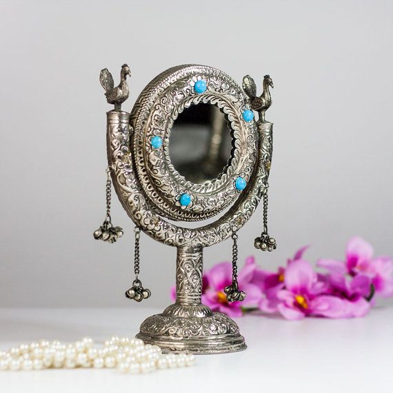 makeup mirror on stand vintage indian vanity mirror on stand silver tone metal standing small. Black Bedroom Furniture Sets. Home Design Ideas