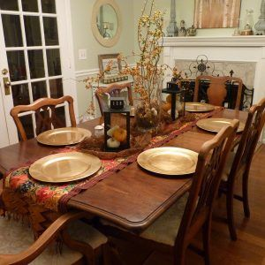 Decorating Formal Dining Room Table