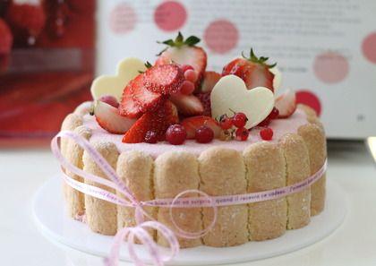"""この画像は「【For 記念日】特別可愛い""""シャルロットケーキ""""レシピ&人気店」のまとめの1枚目の画像です。"""