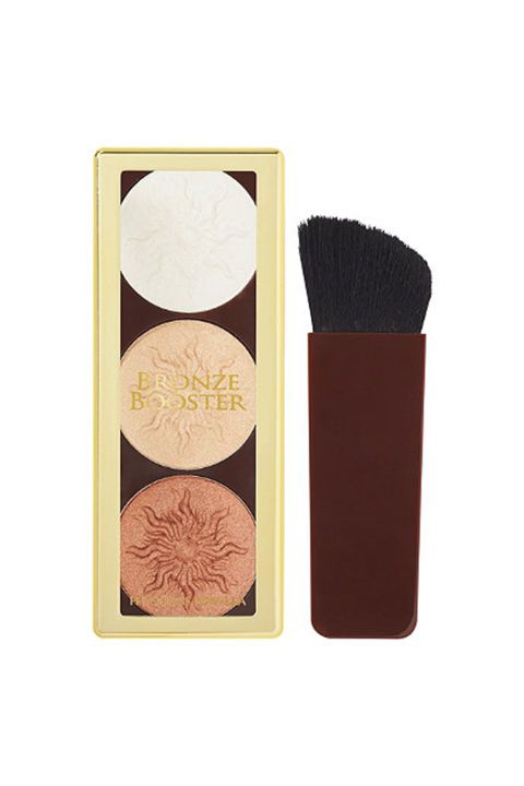 Makeup artists swear by this drugstore contour kit by Physicians Formula to give their celebrity clients a healthy glow.
