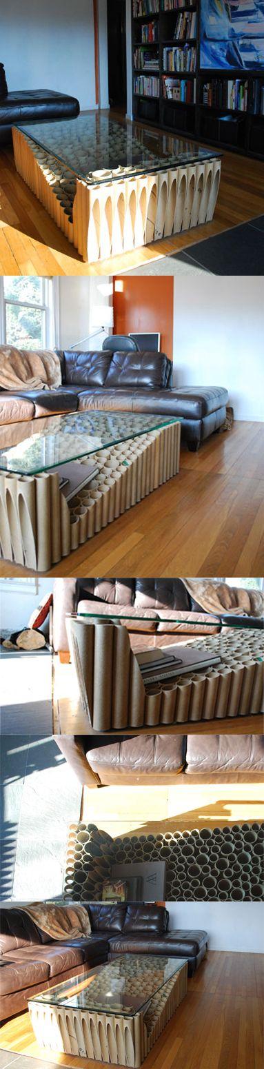 Mesa reciclando 307 tubos de cartón rígido / revolver workshop