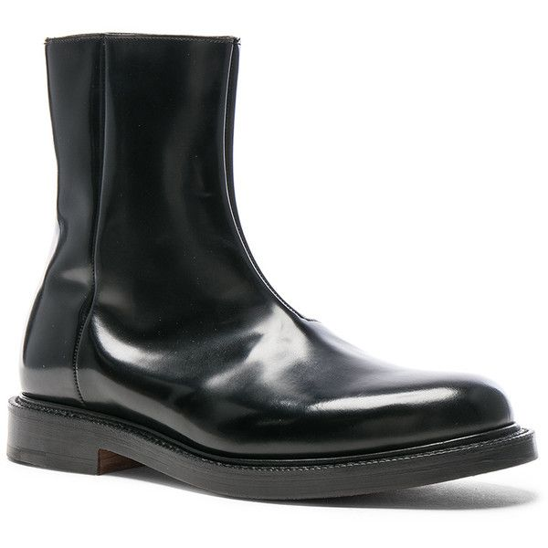 VETEMENTS x Church's Logo Leather Ankle Boots (42.427.025 VND) ❤ liked on Polyvore featuring men's fashion, men's shoes, men's boots, boots, mens leather ankle boots, mens side zipper boots, mens leather boots, mens side zip boots and mens leather shoes