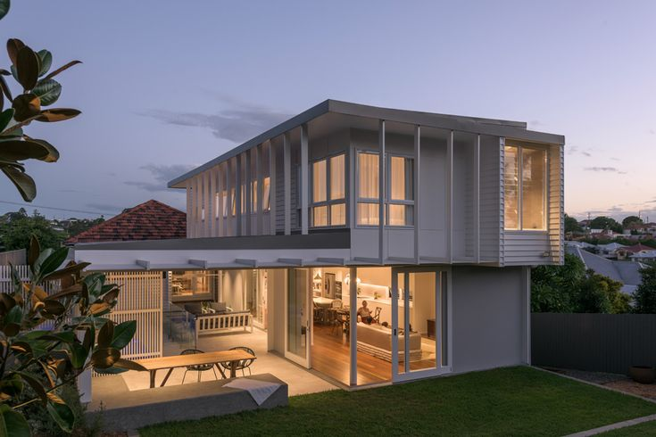 Coorparoo Renovation | Outdoor Living and Lawn | Queensland Australia | Smith Architects