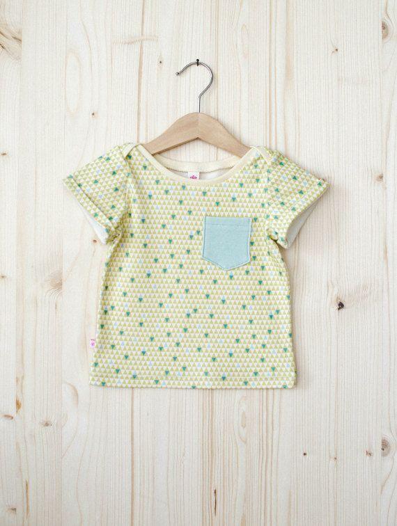 Baby T-Shirt by timideshop on Etsy  #babykleidung #baby #tshirt #handgemacht
