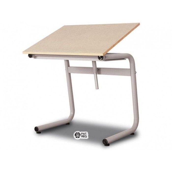 MESA TUBULAR TRIDENT – Tampos em BP estrutura tubular pintada a fogo na cor cinza TUB-10 med. 100X80CM G OU  80X60CM P Modelo universitário e bandeja porta objetos. Inovador sistema de elevação (patenteado), muito prático e funcional. Ideal para todas as finalidades de desenho. Altura para cadeira ou banco de 45 cm. Com 4 niveladores de piso. Peso: G 27,5 Kg E P 23 Kg TUB-11  med. 120X90CM OU 100X80CM Linha Tubular Funcional. Fácil elevação possibilita desenhar sentado em cadeira, em banco…