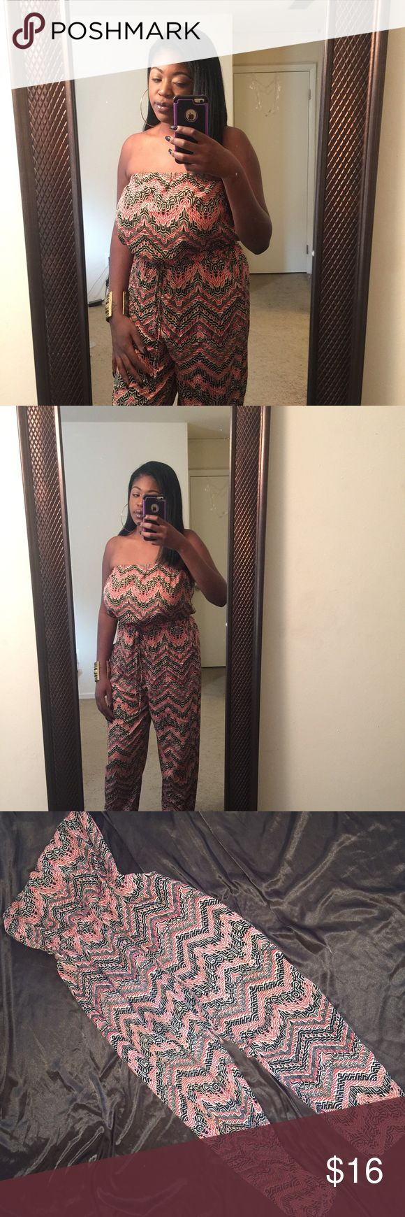 Design Jumpsuit Sleeveless Jumpsuit with Print... Worn twice in perfect condition Fashion to Figure Pants Jumpsuits & Rompers