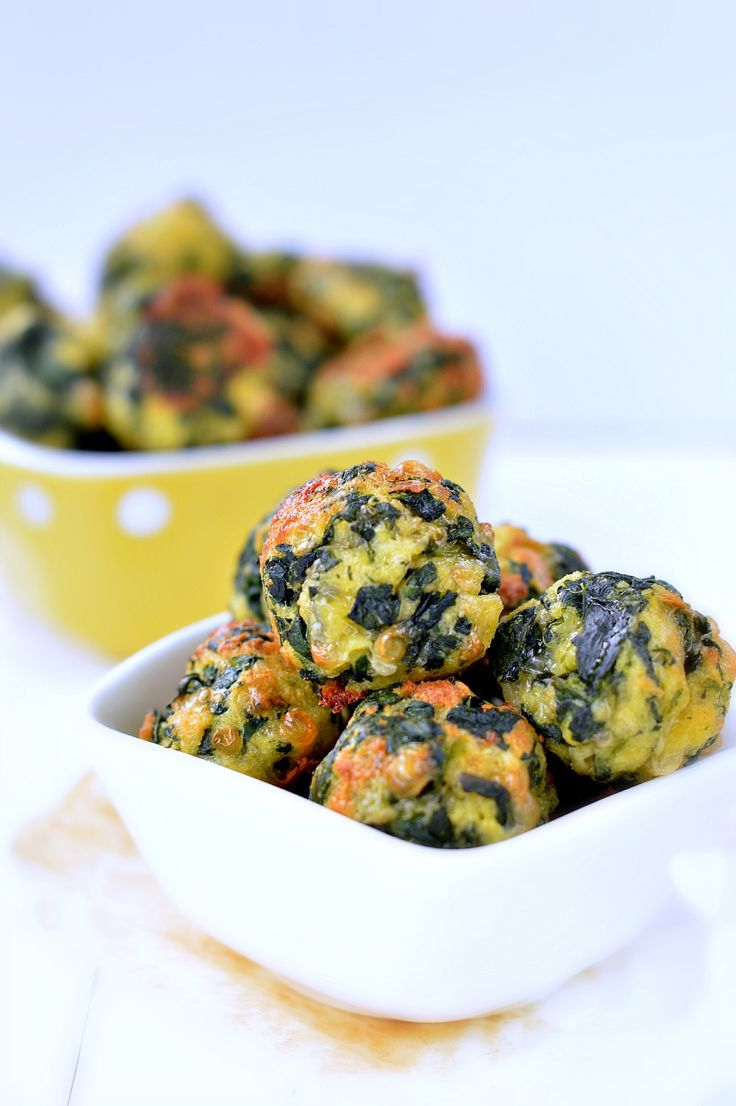 Easy healthy spinach balls appetizer or salad extra. Fresh spinach, shredded cheese, eggs, panko crumbs & herbs. Bake 15-20 mins.That's it.