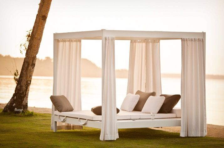 Dedon - City Camp Outdoor Daybed with Roof: Outdoor Beds, Cities Camps, Dreams, Outdoor Furniture, Gardens Swings, Outdoor Lounges, Outdoor Living Rooms, Backyard, Gardens Benches