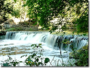 Caesar Creek State Park - Waynesville, Ohio =  campground, playground, basketball, equestrian camp, boating, trails, bridle trails, hiking, biking, fishing, picnic, shelters, Hopewell Day Lodge, swim beach, ice fishing, cross-country skiing, hunting, nature center, pioneer village