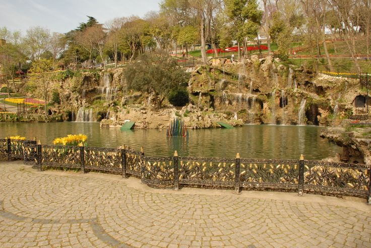 One of the largest public parks in Istanbul, Emirgan stretches on a hillside by the shores of the Bosphorus Strait. Perfect for a romantic walk.