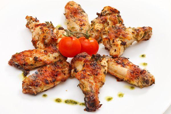 Παϊδάκια κοτόπουλο με μαρινάδα γιαουρτιού — Συνταγές Μαγειρικής — Chefoulis