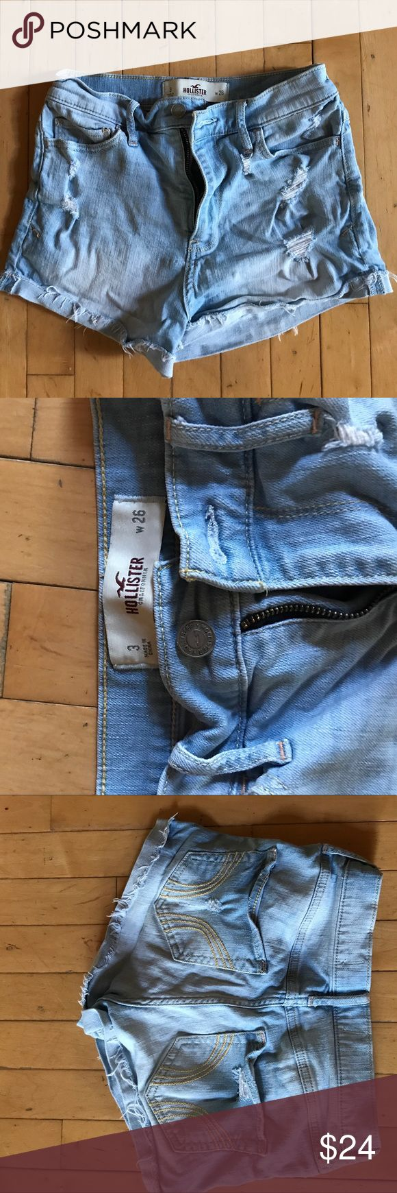 High Wasted/ Light Wash Jean Short Worn only a few times and has great quality and would recommend it. Hollister Shorts Jean Shorts