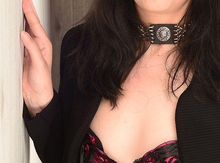 Ich bin eine Vollblut-Fetischgirl das so einige Schweinereien bei Sex auslebt